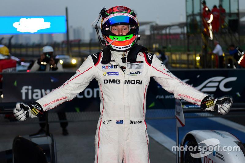 Race winner #1 Porsche Team Porsche 919 Hybrid: Brendon Hartley