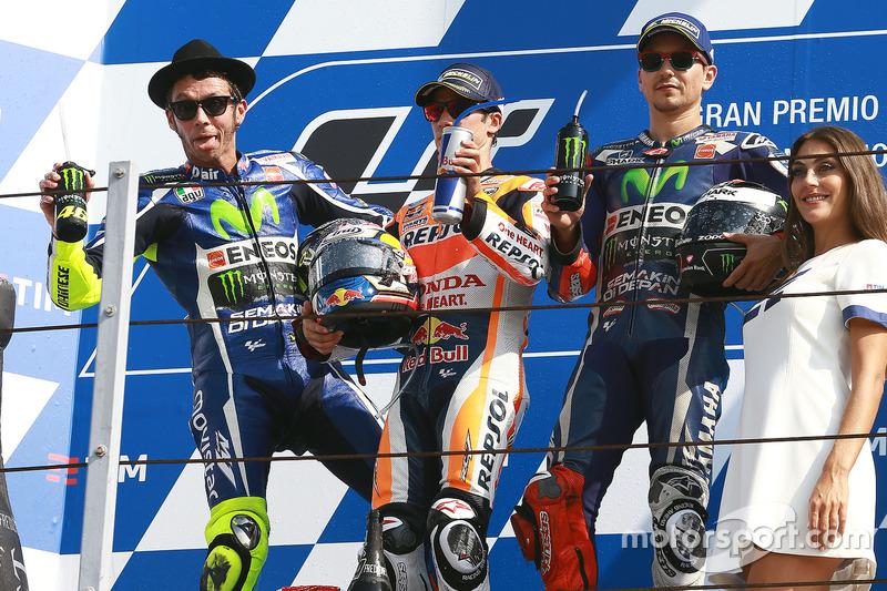 Podio: il vincitore della gara Dani Pedrosa, Repsol Honda Team, il secondo classificato Valentino Rossi, Yamaha Factory Racing, il terzo classificato Jorge Lorenzo, Yamaha Factory Racing