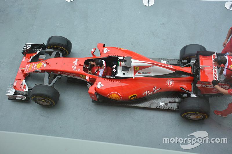 Ferrari SF16-H during pit practice
