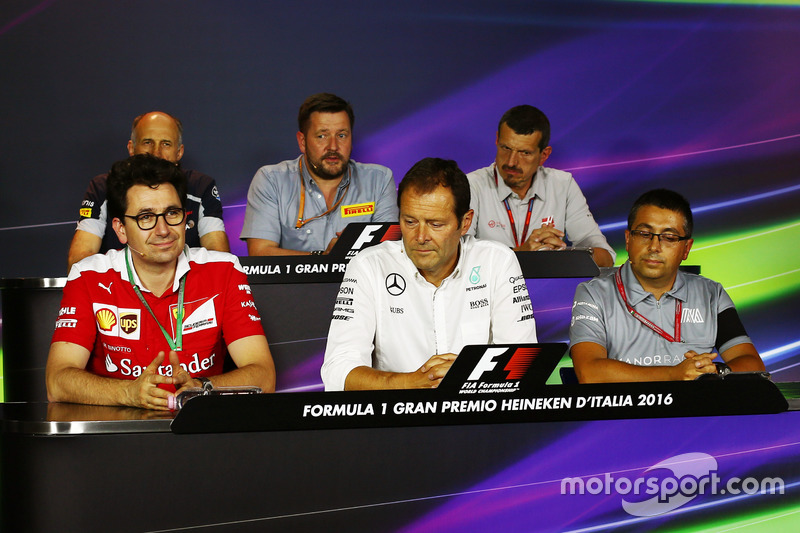 La conferenza stampa FIA (from back row (L to R)): Franz Tost, Scuderia Toro Rosso Team Principal; Paul Hembery, Pirelli Motorsport Director; Guenther Steiner, Haas F1 Team Principal; Mattia Binotto, Ferrari Chief Technical Officer; Aldo Costa, Mercedes AMG F1 Engineering Director; Luca Furbatto, Manor Racing Head of Design