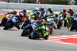 Kenan Sofuoglu, Kawasaki Puccetti Racing, prend la tête au départ