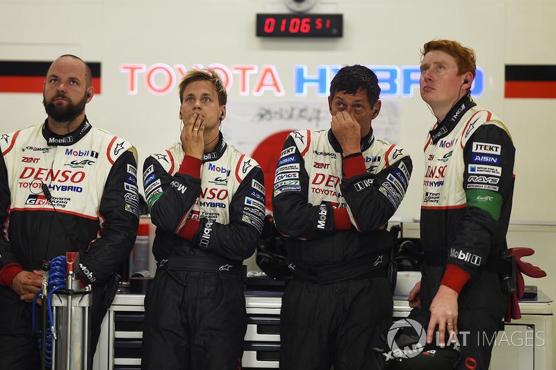 Реакция команды Toyota Gazoo Racing на сход с дистанции экипажа №7