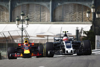 Kevin Magnussen, Haas F1 Team VF-17; Max Verstappen, Red Bull Racing RB13