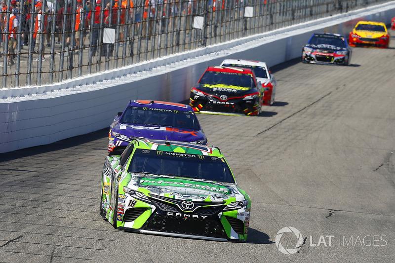 Kyle Busch, Joe Gibbs Racing Toyota, Denny Hamlin, Joe Gibbs Racing Toyota