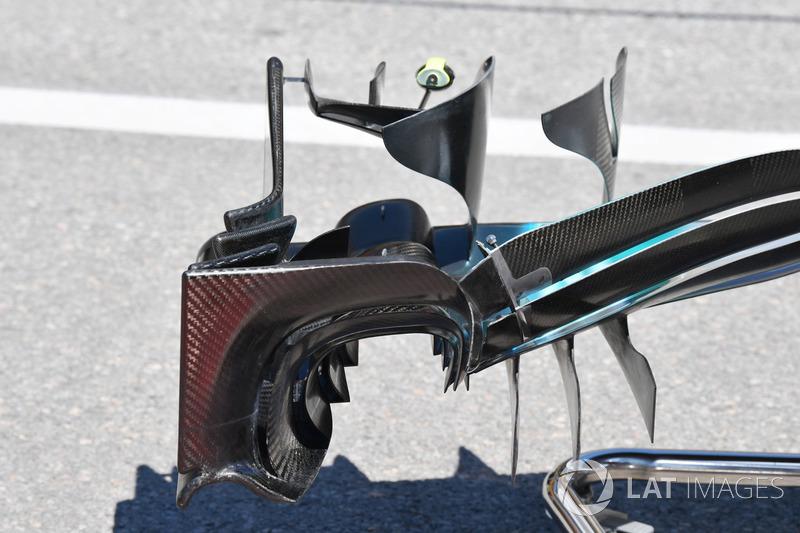 Mercedes-Benz F1 W08 : vue détaillée de l'aileron avant