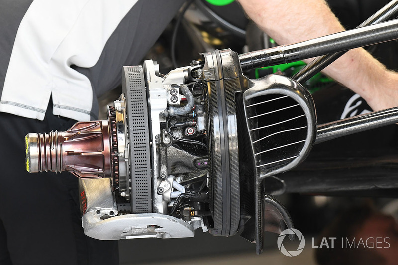 Haas F1 Team VF-17 front brake and wheel hub detail
