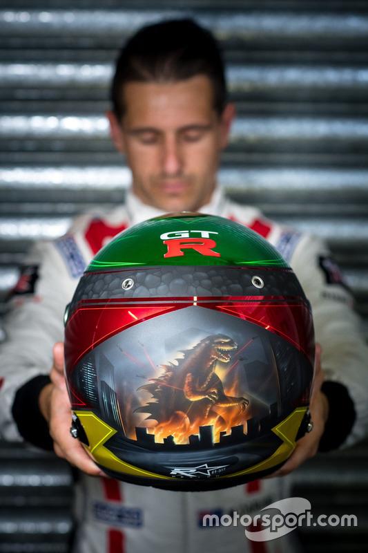 #23 Nissan Motorsport, Nissan GT-R Nismo GT3: Michael Caruso helmet