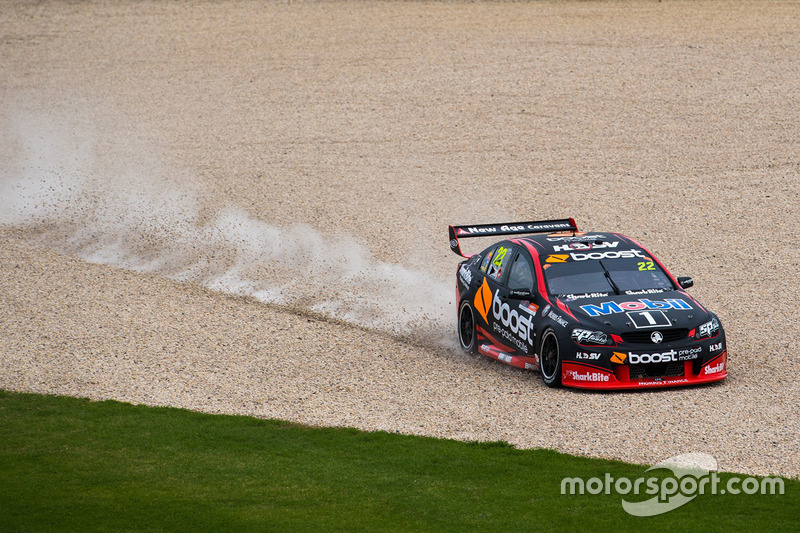 Abflug: James Courtney, Holden Racing Team