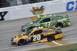 Matt Kenseth, Joe Gibbs Racing Toyota, Jeffrey Earnhardt, Circle Sport - The Motorsports Group Chevrolet