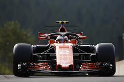 Stoffel Vandoorne, McLaren MCL32, with halo