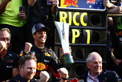 Race winner Daniel Ricciardo, Red Bull Racing, Jonathan Wheatley, Team Manager, Red Bull Racing, Christian Horner, Team Principal, Red Bull Racing, Helmut Markko, Consultant, Red Bull Racing, Max Verstappen, Red Bull Racing, and the Red Bull team celebrate victory