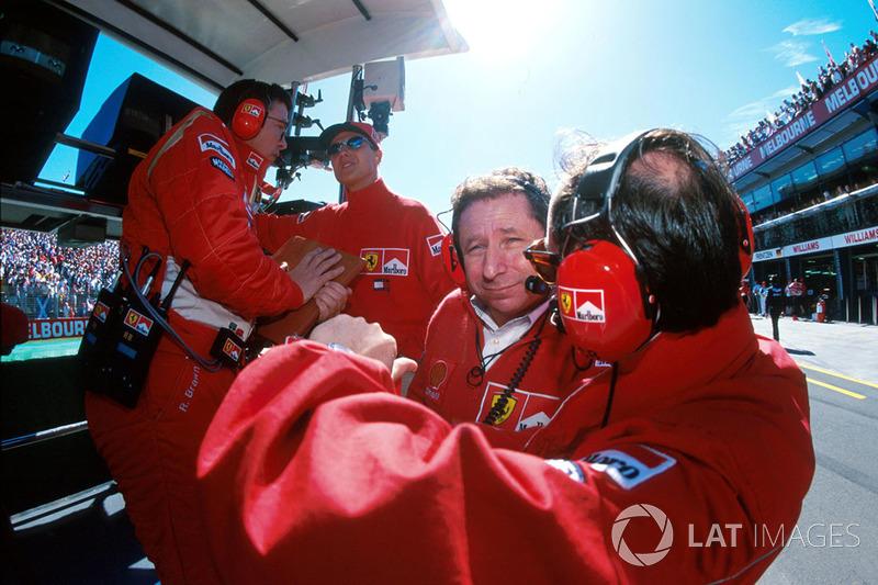 В Ferrari только набирала обороты дрим-тим, куда входили Михаэль Шумахер, Росс Браун, Рори Берн и Жан Тодт. Перед стартом чемпионата Скудерия поставила перед собой задачу бороться за титул