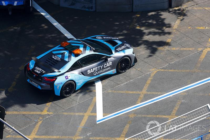 Qualcomm BMW i8 Saftey Car