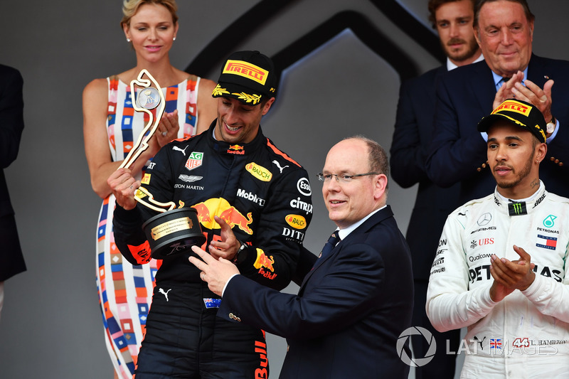 Race winner Daniel Ricciardo, Red Bull Racing celebrates on the podium with HSH Prince Albert of Monaco