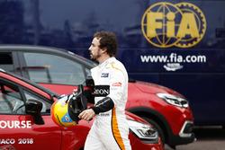 Fernando Alonso, McLaren, valt uit