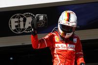 El ganador de la carrera de Brasil, Sebastian Vettel, Ferrari