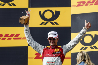 Podium: Nummer twee Nico Müller, Audi Sport Team Abt Sportsline