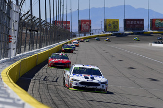 Kevin Harvick, Stewart-Haas Racing, Ford Fusion Mobil 1, Kurt Busch, Stewart-Haas Racing, Ford Fusion Haas Automation