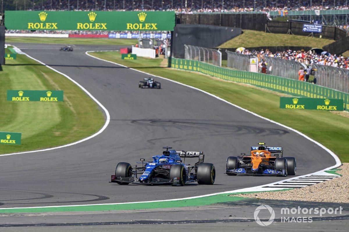 Fernando Alonso, Alpine A521, Lando Norris, McLaren MCL35M