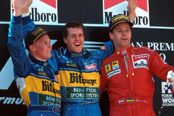 Podyum: Yarış galibi Michael Schumacher, Benetton, 2. Johnny Herbert, Benetton, 3. Gerhard Berger, Ferrari
