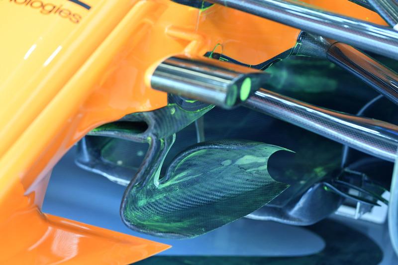 McLaren MCL33, első futómű, részlet