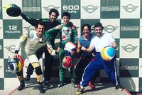 Fernando Alonso, David Vidales, Pedro de la Rosa, Ángel Burgueño en Dubai