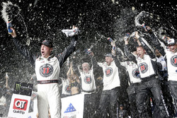 Race winner Kevin Harvick, Stewart-Haas Racing, Jimmy John's Ford Fusion