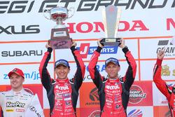 Podium GT500: race winners Tsugio Matsuda, Ronnie Quintarelli, Nissan Motorsport