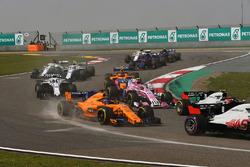 Fernando Alonso, McLaren MCL33 startta