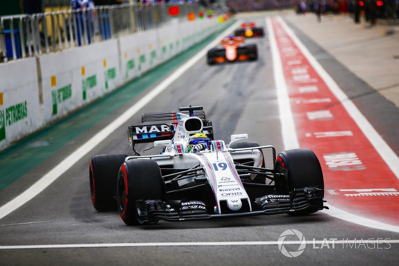 Felipe Massa, Williams FW40, sale de pit lane