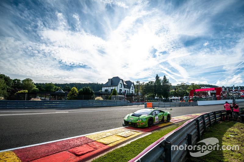 #19 GRT Grasser Racing Team, Lamborghini Huracan GT3: Michele Beretta, Andrea Piccini, Luca Stolz