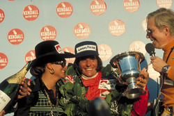 Race winner Emerson Fittipaldi, McLaren