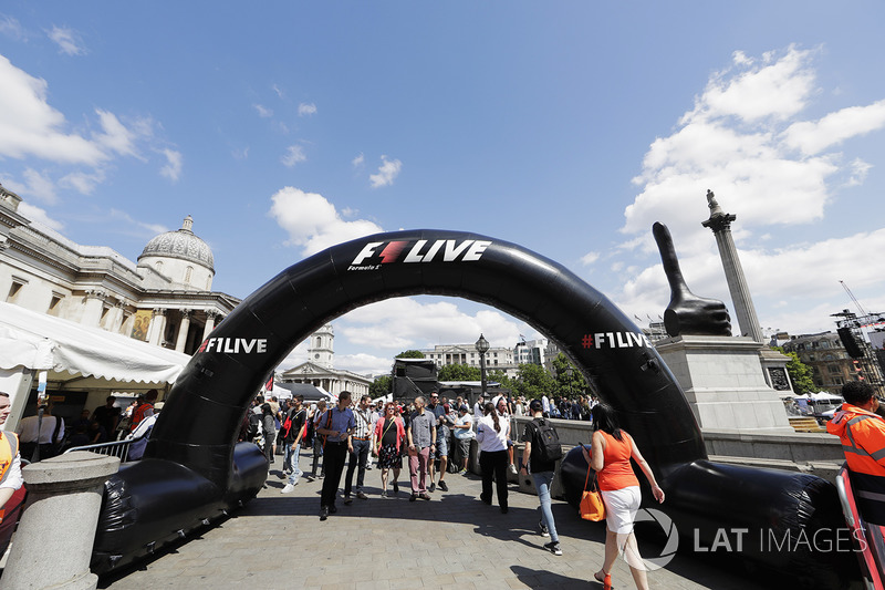 F1 Live London takes over Trafalgar Square