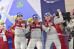 LMP1 Podio: ganadores de la carrera #8 Audi Sport Team Joest Audi R18: Lucas di Grassi, Loic Duval,