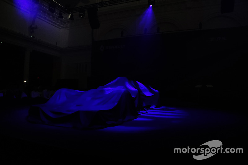 Der abgedeckte Renault RS17