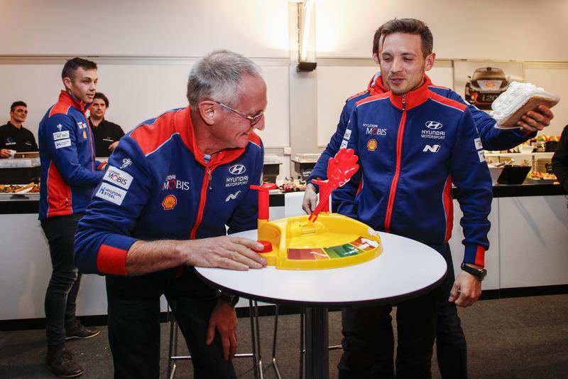 Hayden Paddon, John Kennard, Nicolas Gilsoul, Thierry Neuville, Hyundai Motorsport