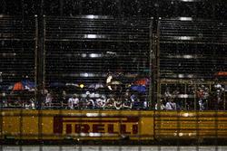 Regen vor dem Start des Rennens