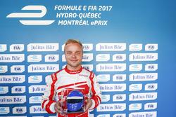 Felix Rosenqvist, Mahindra Racing, celebrates after qualifying with the Julisy Bar award