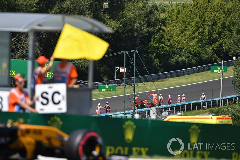 Bandera amarilla Daniel Ricciardo, Red Bull Racing RB13