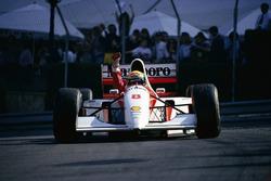 Ayrton Senna, McLaren, gana