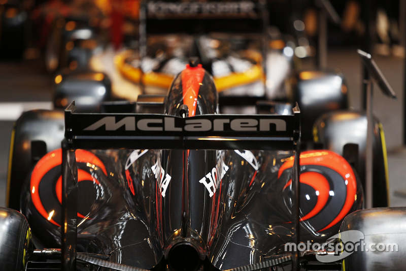 Detalle de McLaren y Force India