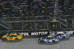 Joey Logano, Team Penske Ford, Jimmie Johnson, Hendrick Motorsports Chevrolet, Ricky Stenhouse Jr., Roush Fenway Racing Ford