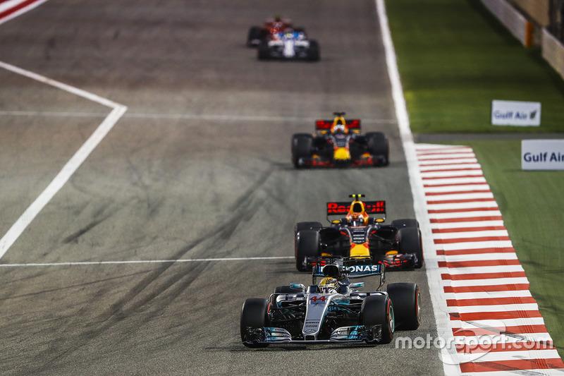 Lewis Hamilton, Mercedes F1 W08, Max Verstappen, Red Bull Racing RB13, Daniel Ricciardo, Red Bull Racing RB13, Felipe Massa, Williams FW40