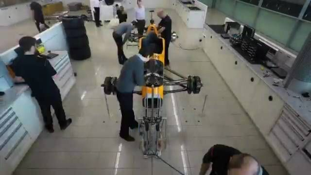 La construction de la voiture de Fernando Alonso
