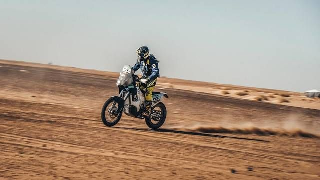 Africa Eco Race: Day 9 highlights - Bikes