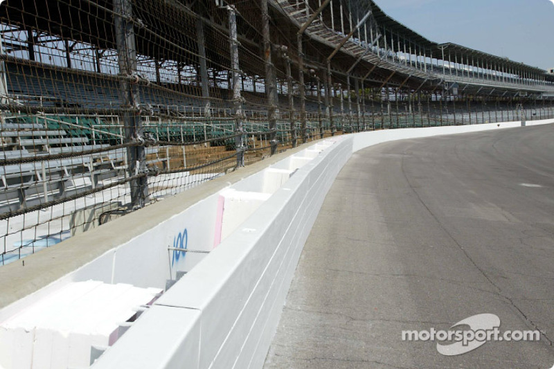 IRL: GM honors Indianapolis Motor Speedway