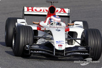 Button stays top at Jerez test