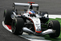 McLaren still top in last Italian GP practices