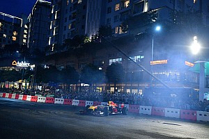 DTM Самое интересное Дрифт на Red Bull и летающие пикапы: лучшие гоночные видео уик-энда