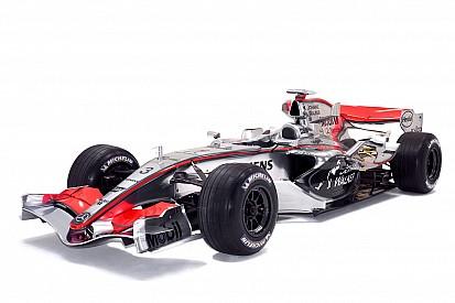 McLaren unveils unique livery